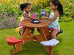 Childrens CircularPicnic Table